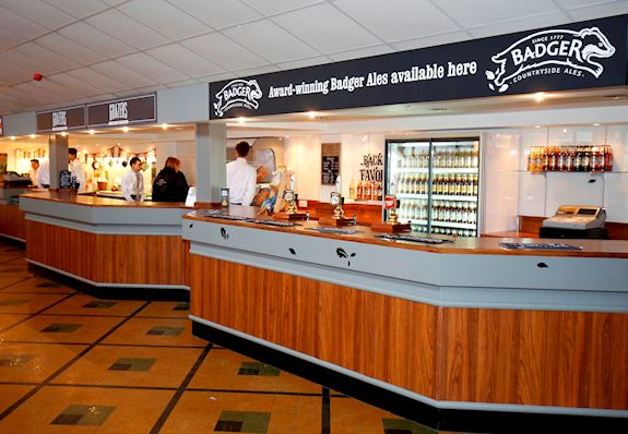 Enjoy a bite to eat in our Badger Bar, open every raceday