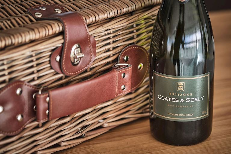 Great British Picnic Hamper Coates & Seely (web).jpg