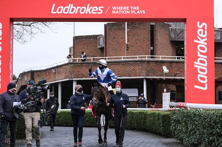Frodon - returning to Winner's Enclosure.jpg
